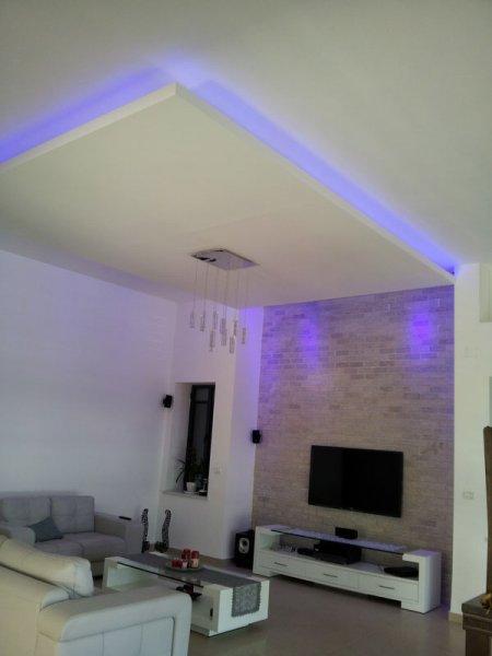 תאורת אוירה בסלון